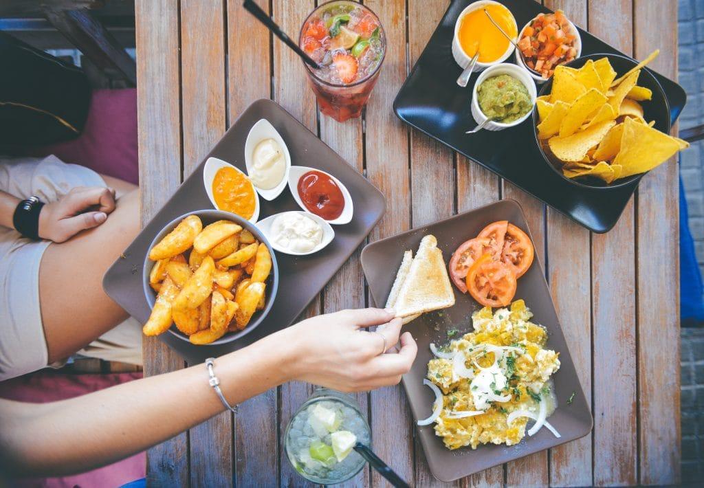 Kunyah makanan dengan perlahan dan menyeluruh