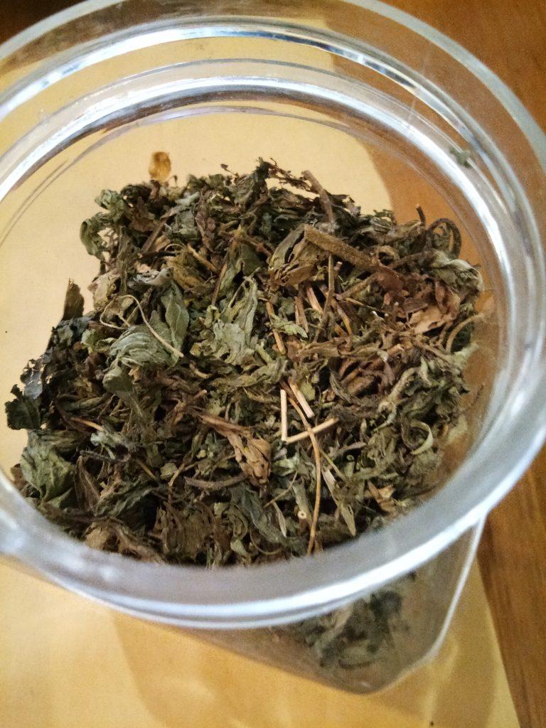 Stevia - mungkin alternatif pemanis alami terbaik saat ini. Hati-hati stevia juga banyak yang menggunakan bahan artificial. Foto: PaprikaLiving