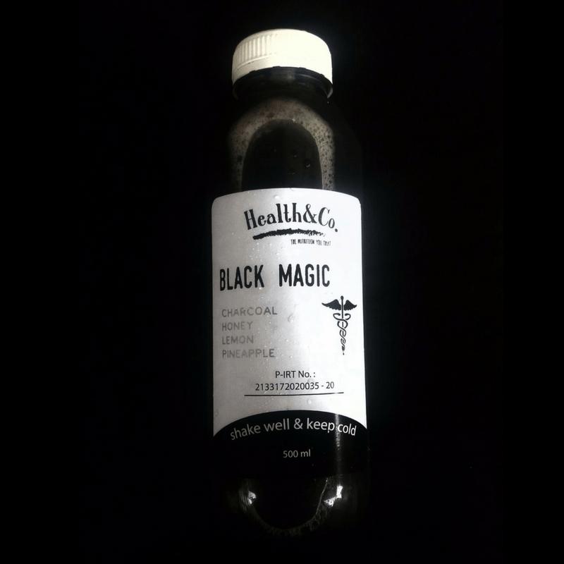 Jus Buah Plus Arang - Black Magic dari Health & Co.