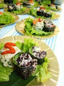 <em>Vegan Sushi dan Falafel yang dipadu sambal fermentasi... Yummy! Foto:PaprikaLiving</em>