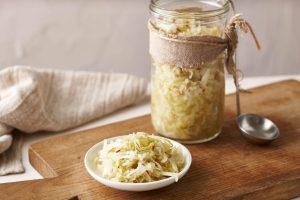 Makanan Fermentasi yang Baik untuk Ususmu: 5. Sauerkraut