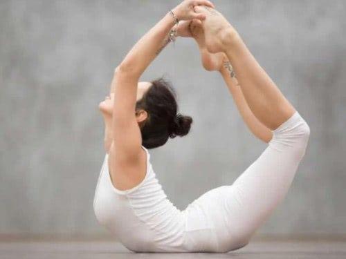 bow pose untuk kesehatan